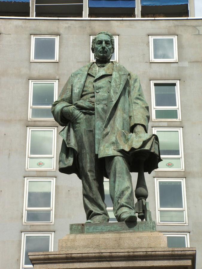 Monumento di Raffaele Rubattino a Genova (da wikipedia)